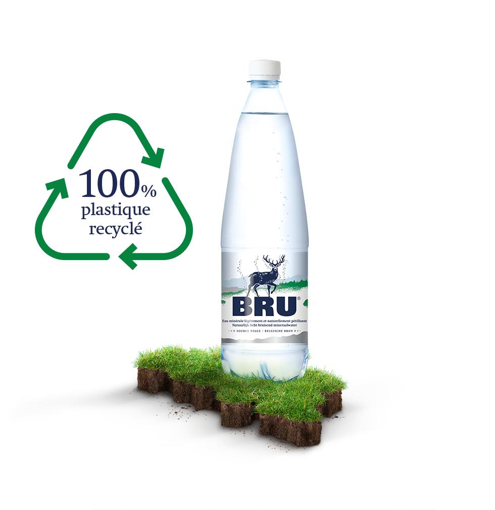 Nos bouteilles en plastique 100 % recyclé et 100 % recyclable.