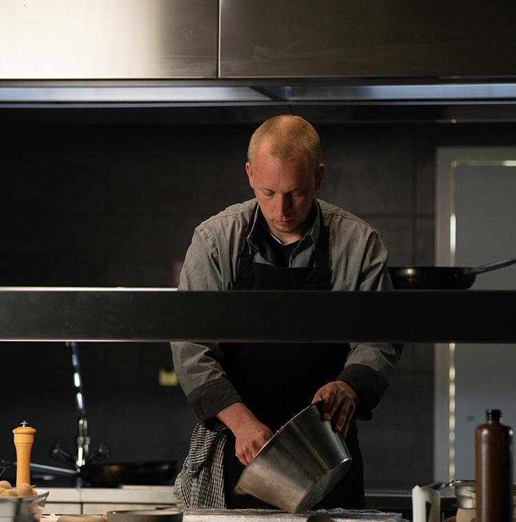 Stefan Jacobs in zijn keuken