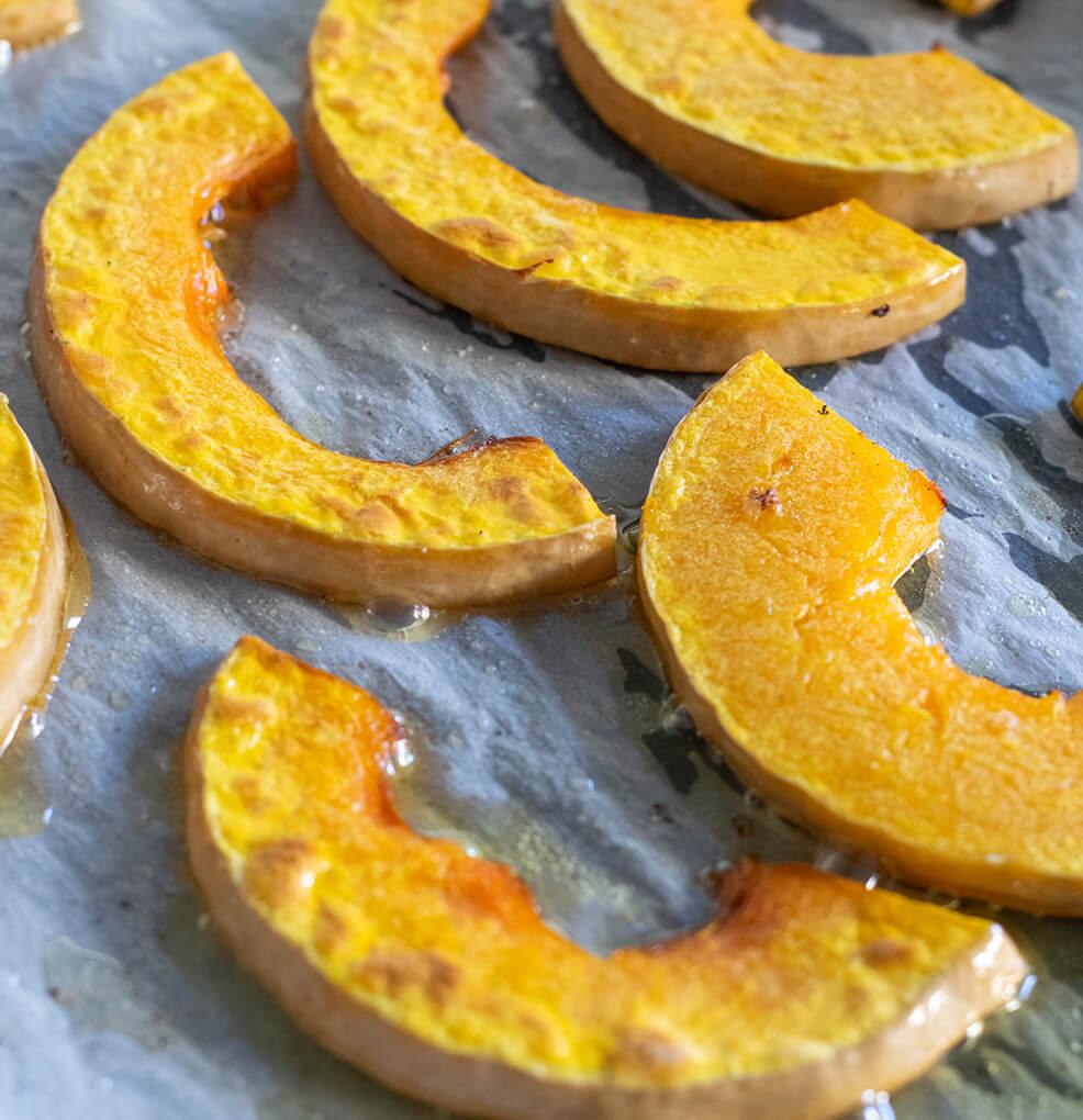 Lamskroon met geroosterde butternut, noten en rozemarijnsaus stap 2